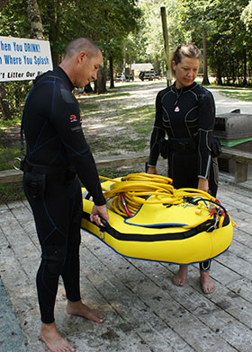The SubTrek™ Unit holds two standard Scuba Cylinders securely between two separate inflatable air cells.